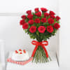 Bunch of 20 Red Roses with Pineapple Cake (Half Kg) Online