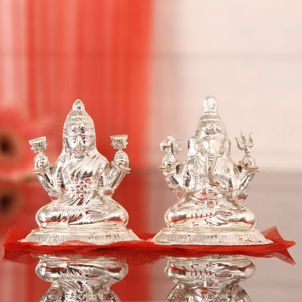 7d08a7473489 55 Gms Silver Laxmi Ganesha Idol  Gift Send Home and Living Gifts ...