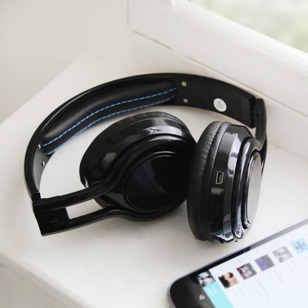 Adjustable Electronic Over Ear Bluetooth Headphones