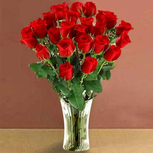 Attractive Bunch of 25 Roses
