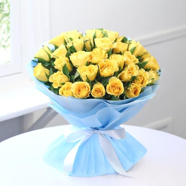 Beautiful Bunch of 35 Yellow Roses