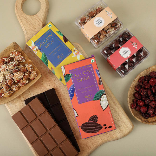 Berry And Chocolates Gift Pack
