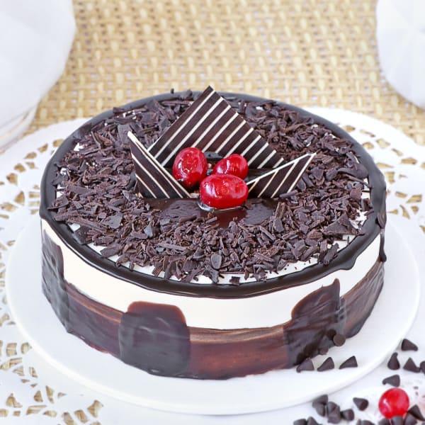 Black Forest Gateau Cake (Eggless) (1 Kg)