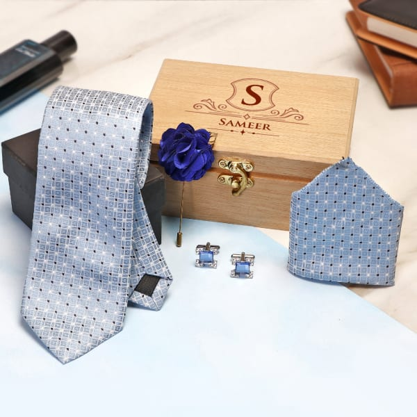 Blue Men's Accessory Set In Personalized Wooden Box