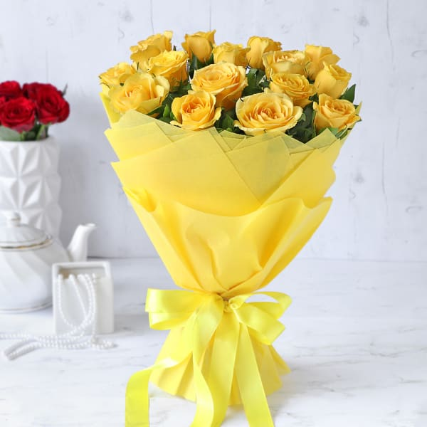 Bouquet of 15 Yellow Roses