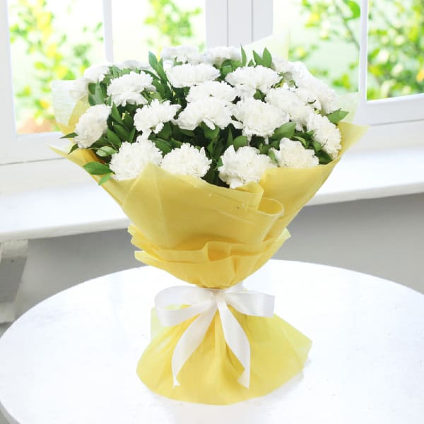 Bouquet of 20 White Carnations