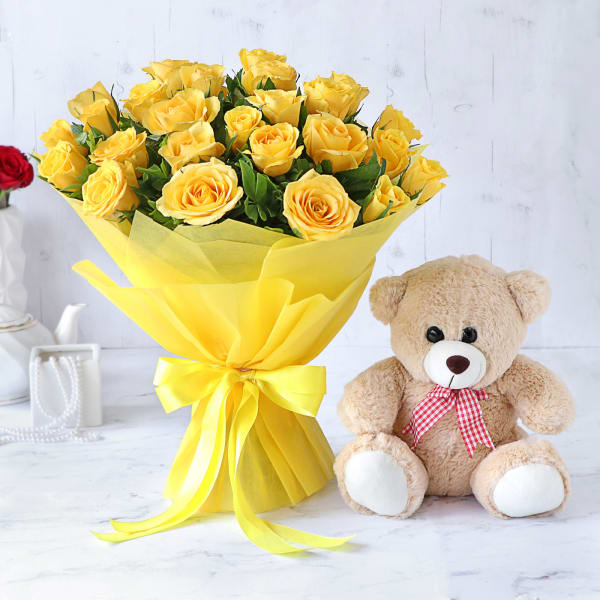 Bouquet of 25 Yellow Roses with Pink Teddy