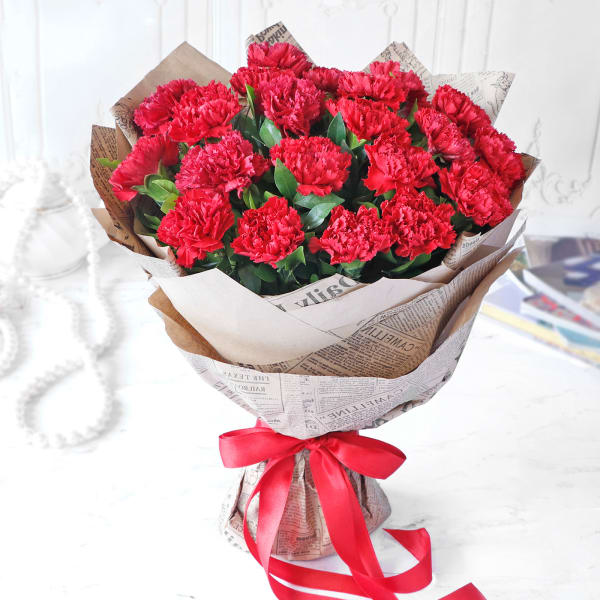 Bouquet of Red Carnations (25 stems)