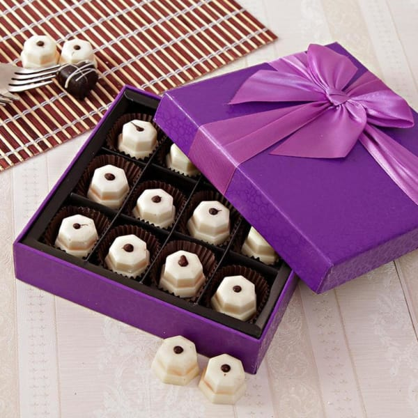 Box Of 12 Handmade White Chocolates Gift Send Gourmet Gifts