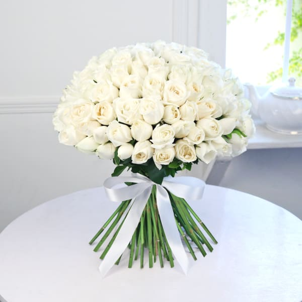 Bunch of 100 White Roses