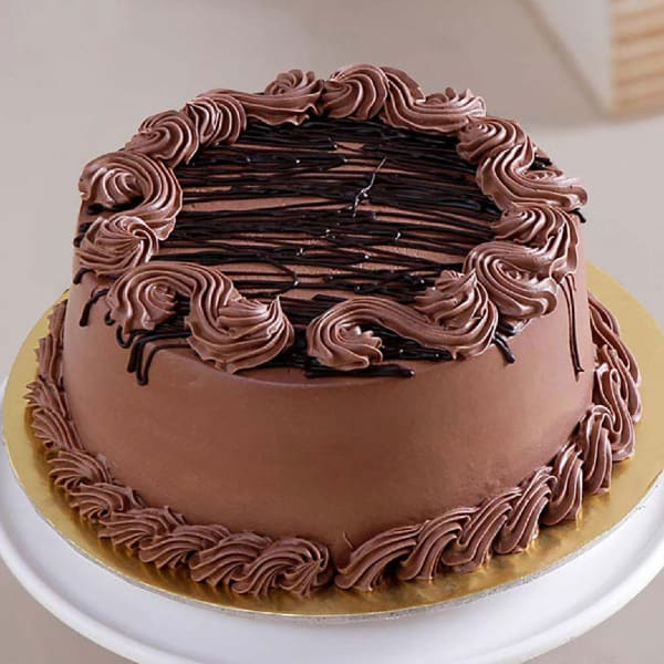 Chocolate Cake with Chocolate Cream Topping (Half Kg)