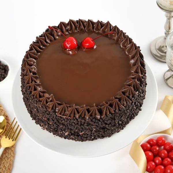 Chocolate Choco Chips Cherry Cake (Half Kg)