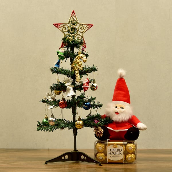 Christmas Tree With Decoratives And Ferrero Chocolate Gift Send Christmas Gifts Online L11076686 Igp Com