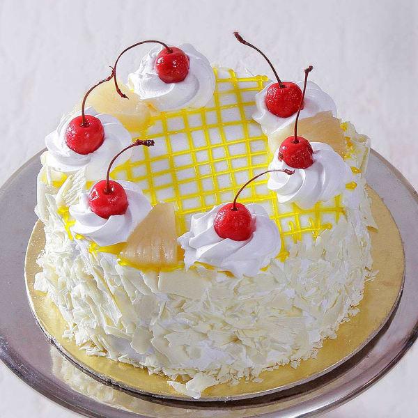 Classic Pineapple Cake (Eggless) (2 Kg)