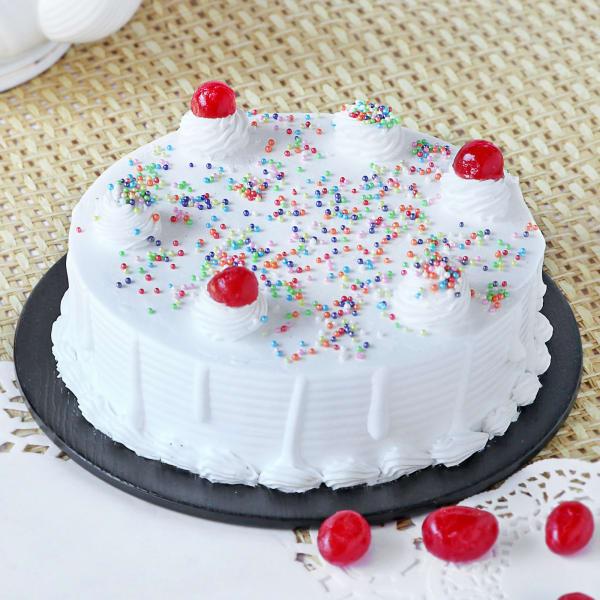 Classic Vanilla Cake (Half Kg)