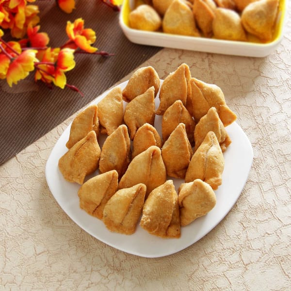 Cocktail Samosa in a package of 500 gms