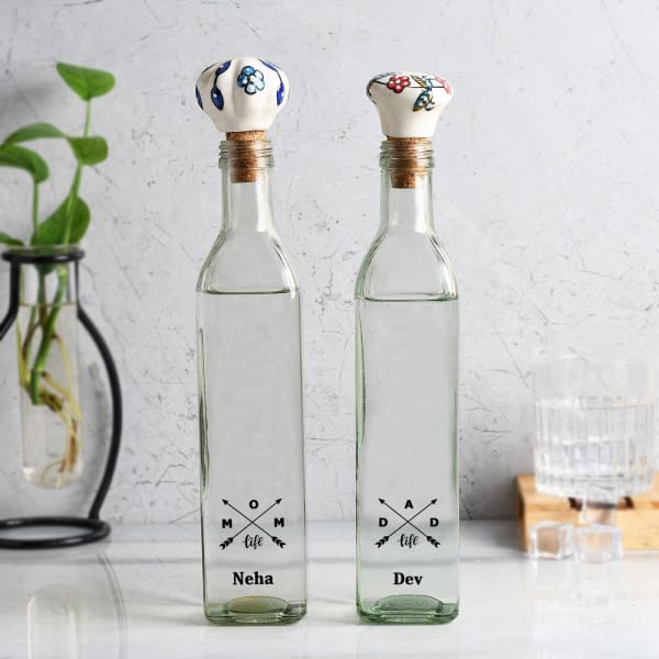 Crossed Arrows Mom And Dad Personalized Glass Bottle Set
