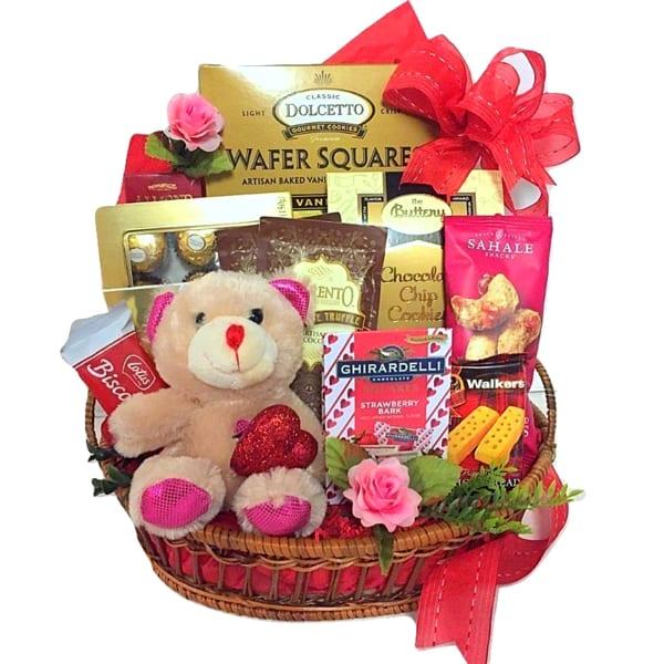 Cuddly Valentine Gift Hamper Gift Send Gourmet Gifts Online Bs1107687 Igp Com