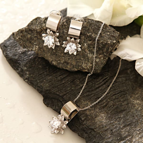 CZ Stone Studded Necklace Set in Unique Design