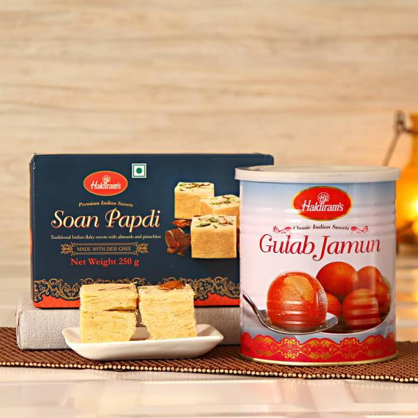 Delicious 200 Gms Soan Papdi & 1 Kg Gulab Jamun