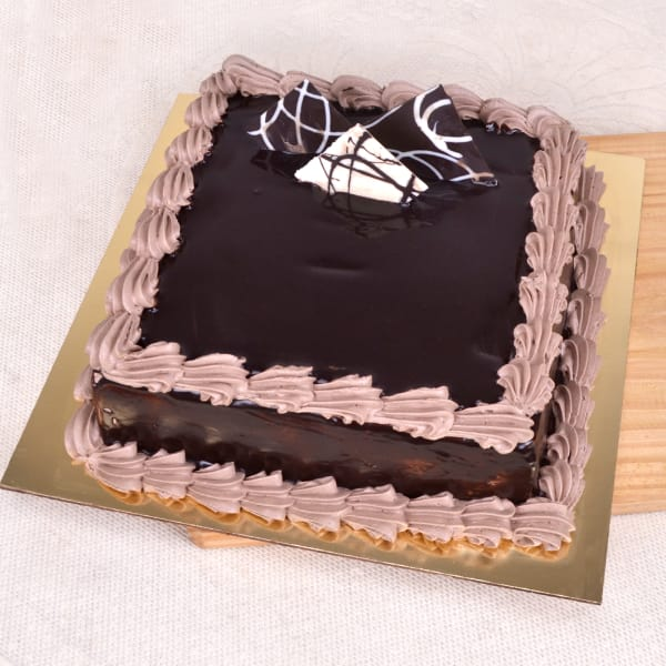 Order Delicious Chocolate Cake 1 Kg Online at Best Price ...
