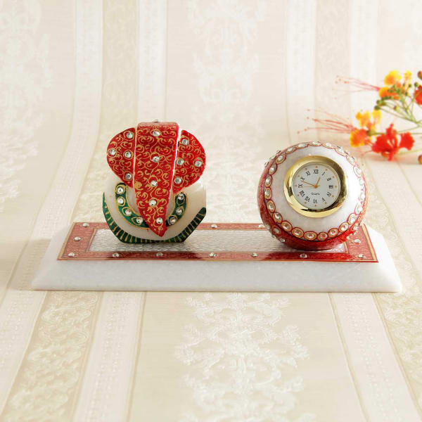 Delightful Traditional Table Clock