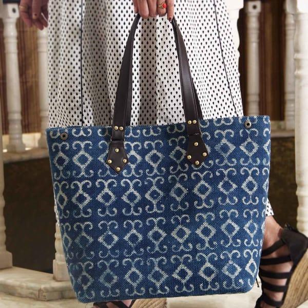 de04a4399 Designer Indigo Blue Woven Rug Handbag: Gift/Send Fashion and ...