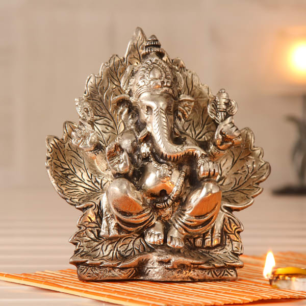 Divine White Metal Ganesha Idol Gift Send New Year Gifts Online