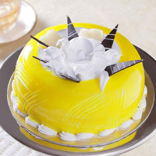 Dome Shaped Pineapple Cake (Eggless) (1 Kg)