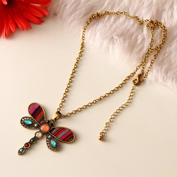 Dragonfly Design Pendant Fashion Necklace