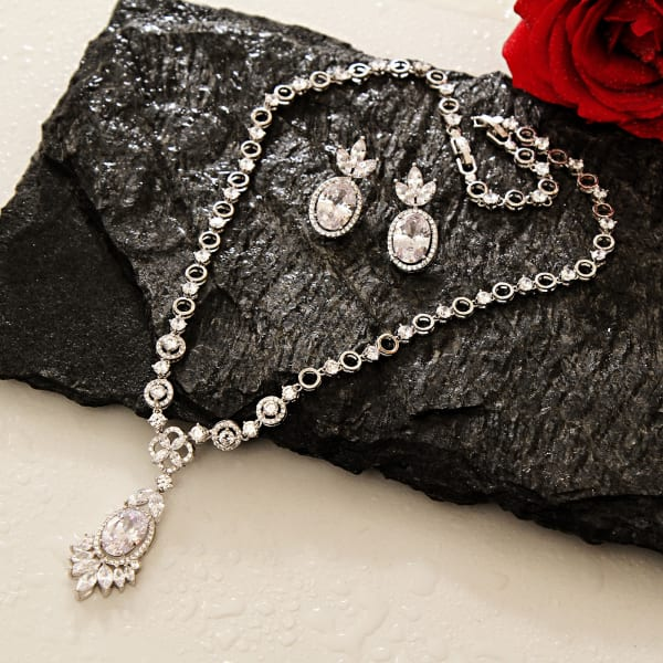 Elegant Stone Studded Necklace with Earrings in Gift Box
