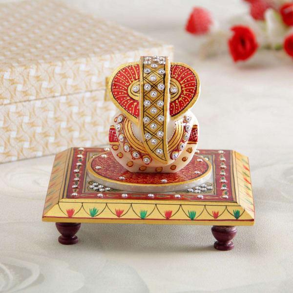 Endearing Lord Ganesha Idol