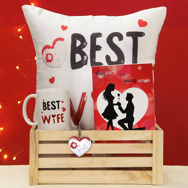 Exclusive Romantic Hamper For Your Wife Gift Send Valentine S Day Gifts Online J11080186 Igp Com