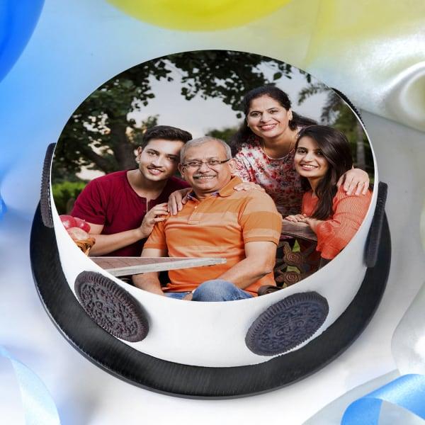 Family Love Photo Cake (Eggless) (Half Kg)