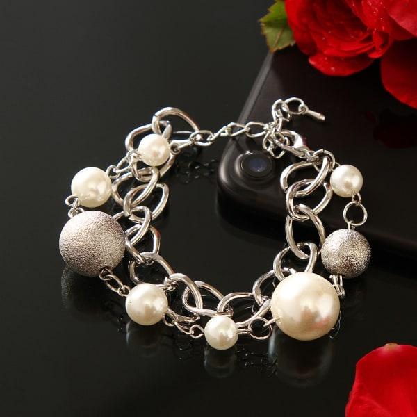 Fashionable Silver Chain Bracelet
