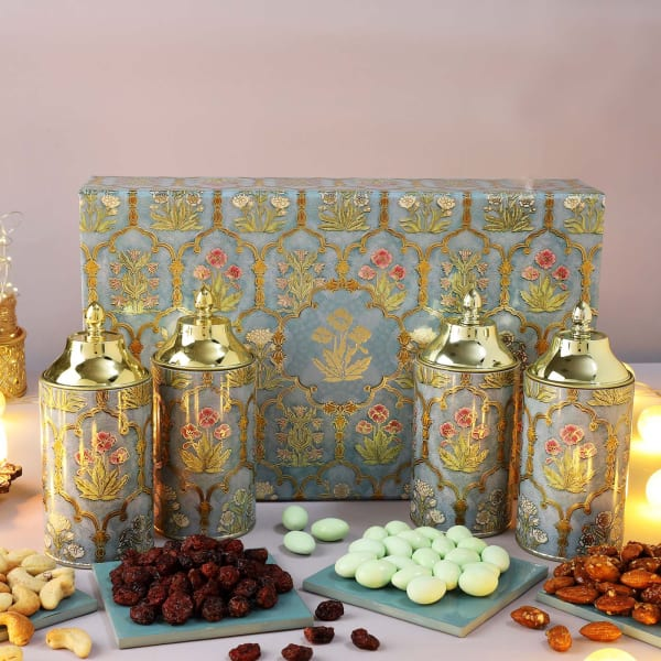 Flavoured Dry Fruits And Gourmet Snacks Gift Box