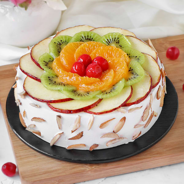 Fresh Fruit Almond Cake (Half Kg)