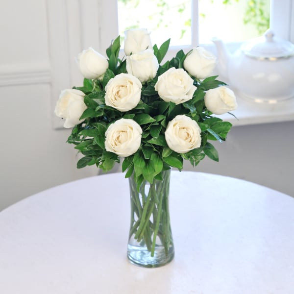 Glass Vase Arrangement of 10 White Roses