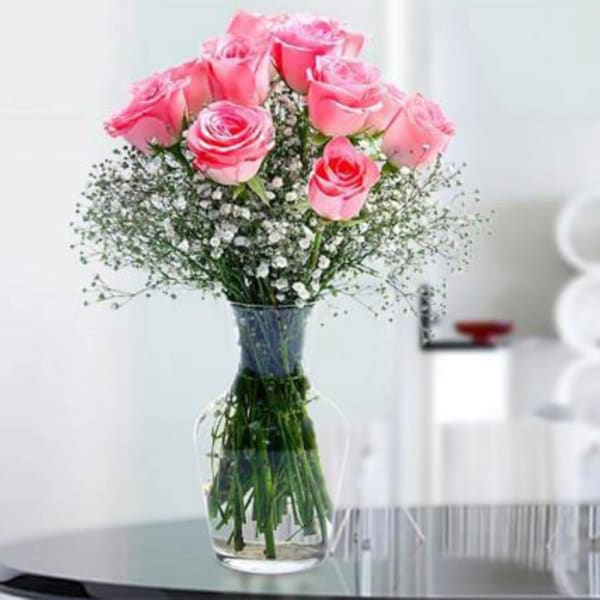 Glorious 12 Pink Roses in a Vase