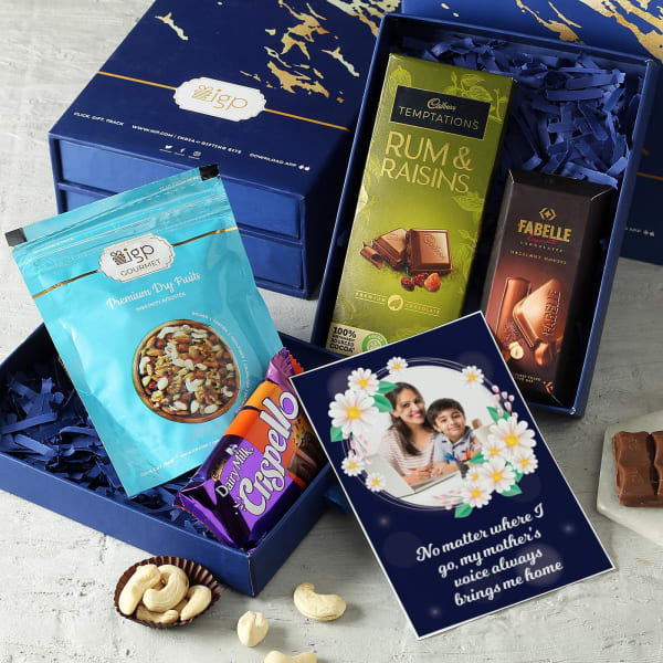 Gourmet Chocolates & Dry Fruits with Personalized Card Hamper