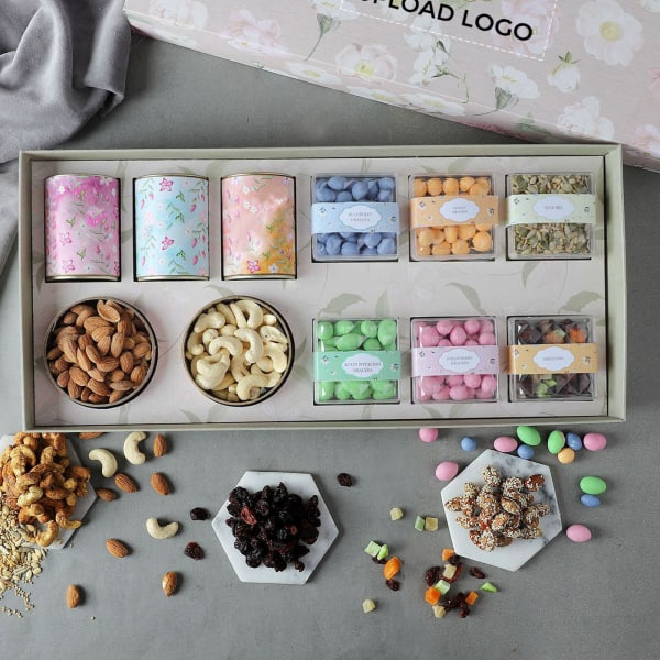 Gourmet Dragees And Goodies Gift Box – Customized With Logo