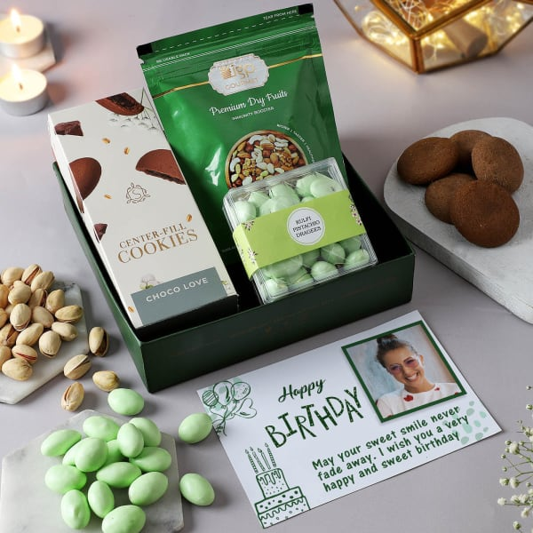 Gourmet Selection With Personalized Birthday Card