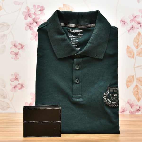 Green Cotton T Shirt with United Colors of Benetton Leather Wallet