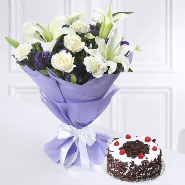 Half Kg Round Black Forest Cake with Bunch of Mixed Flowers