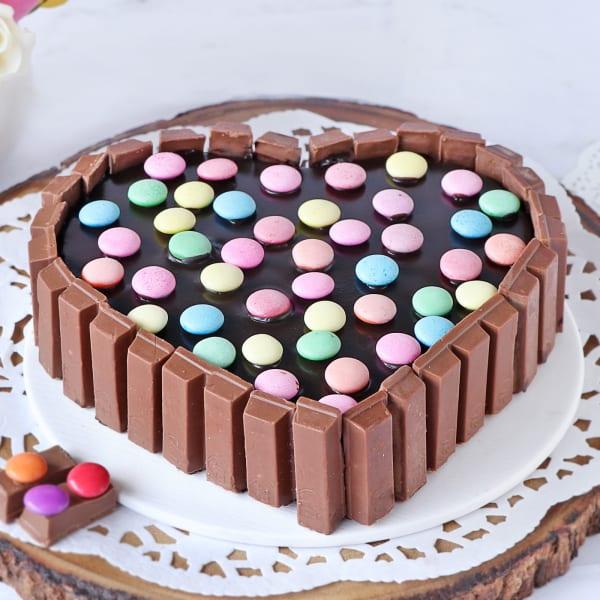 Heart Shape Kit Kat Cake (Half Kg)