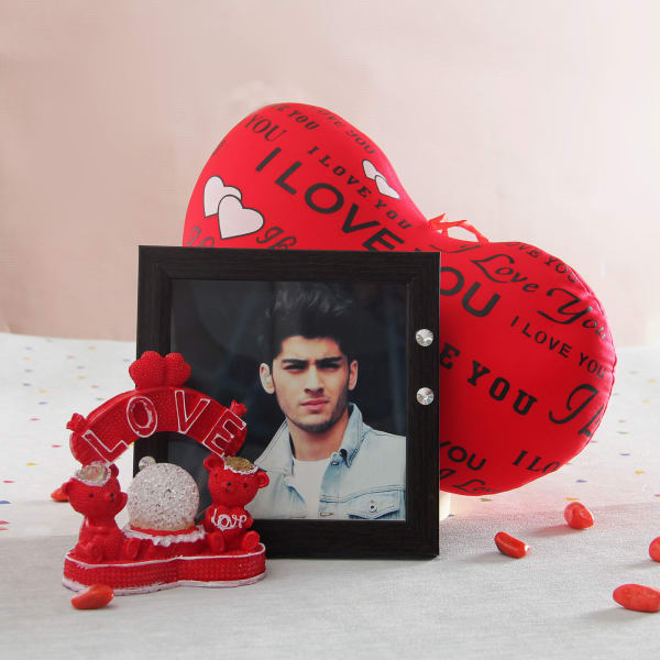 Heart Shaped Cushion And Love Couple With Photo Frame Giftsend