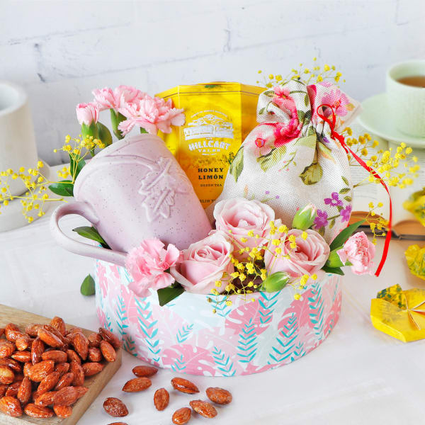 High Tea Gift Hamper in Pink Box