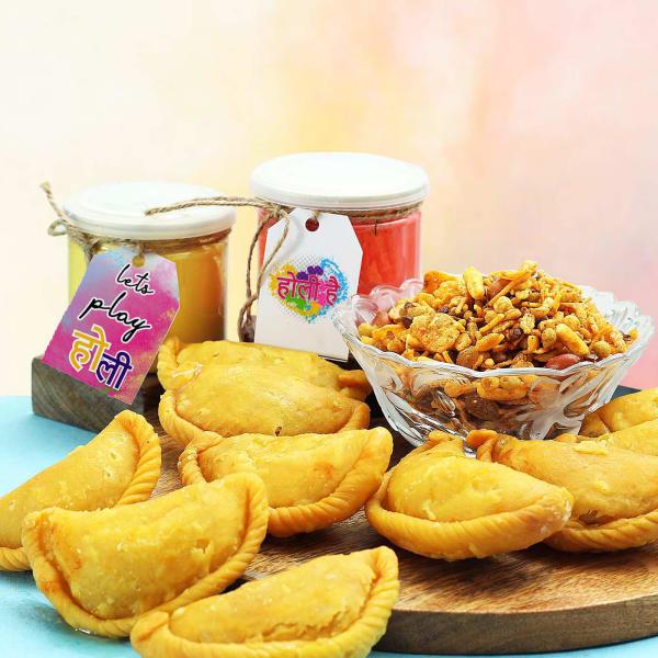 Kesar Gujiya & Masti Mix Namkeen with Set of 2 Gulal