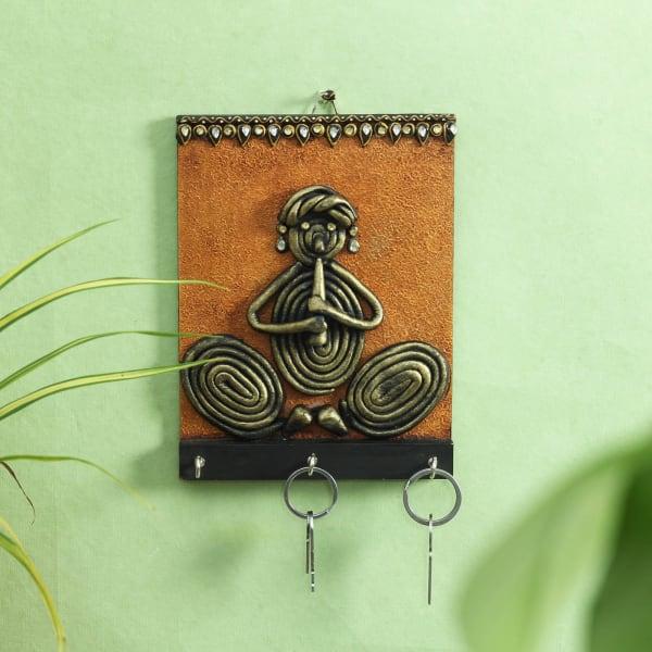 Key Chain Holder in Dhokra Art