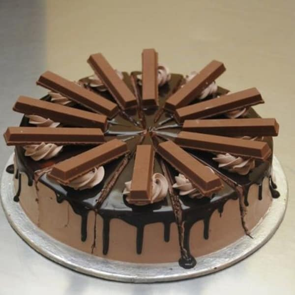 Kitkat Cake 1 Kg